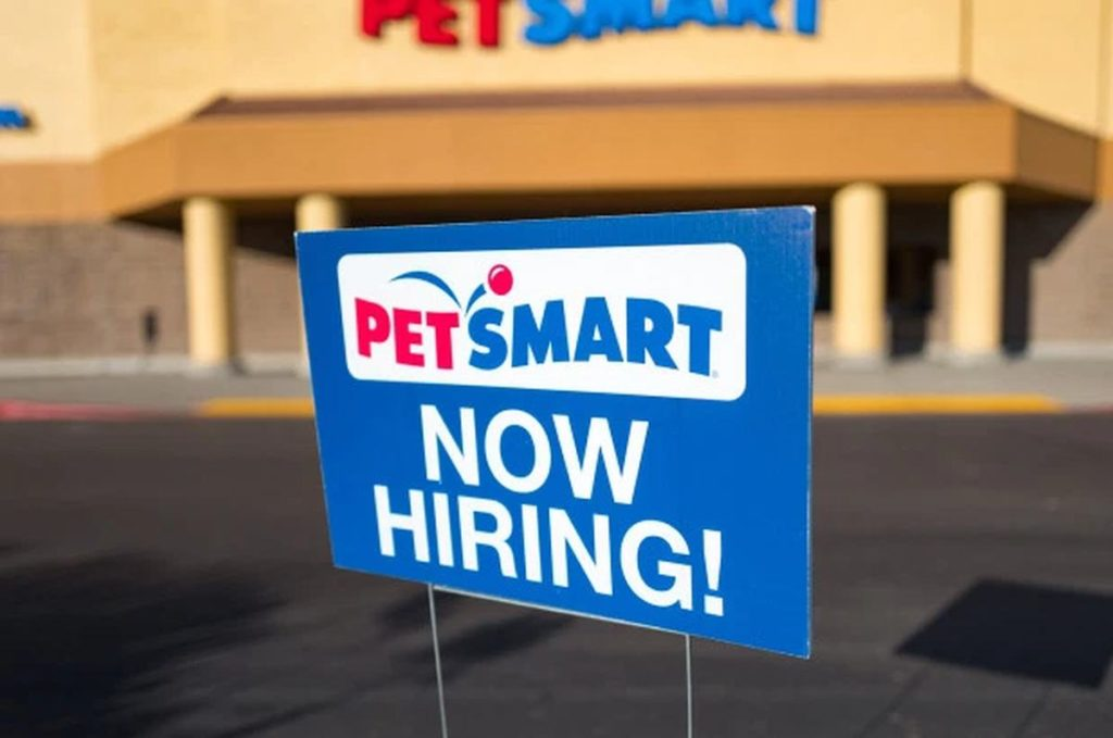 PetSmart Paid Internships for Summer